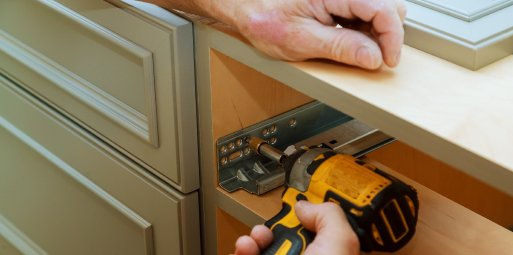 difference between custom and semi-custom cabinets